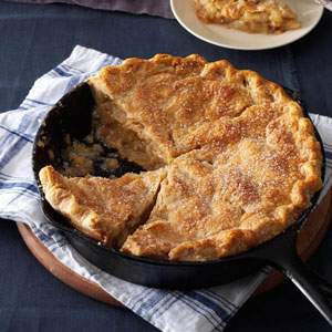Cinnamon-Sugar Apple Pie in a Skillet